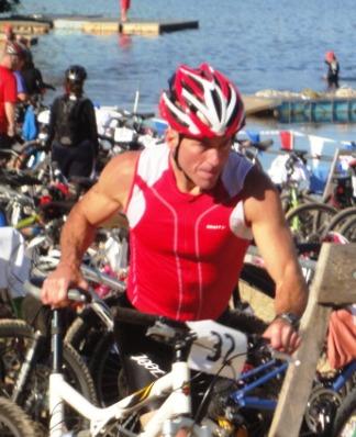 CC Tri biker